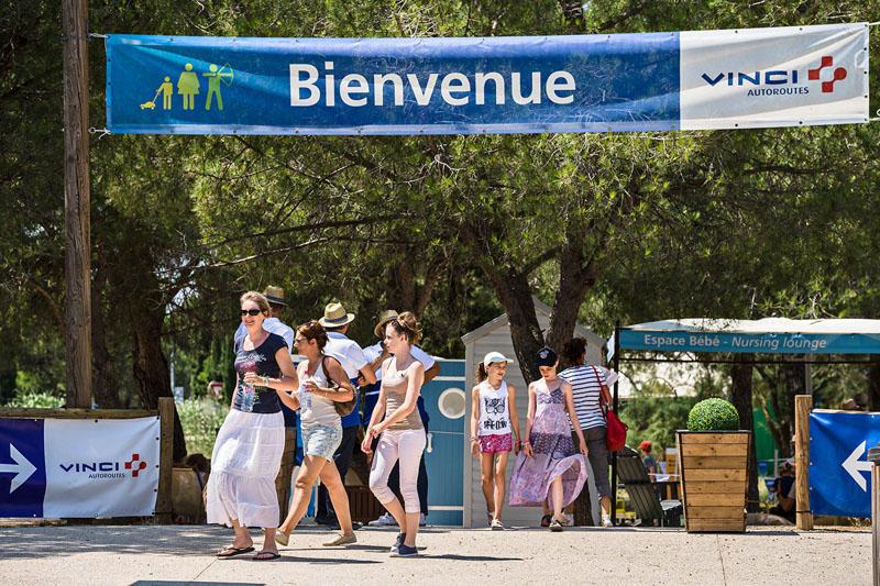 La RFE met en place une opération de Trip Marketing pour les usagers des autoroutes Vinci en les accueillant dans différents espaces sur les aires de repos