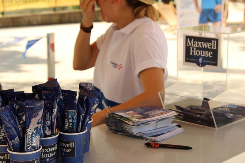 La RFE met en place une opération de Trip Marketing pour Maxwell en offrant des cafés sur les aires d'autoroutes Vinci