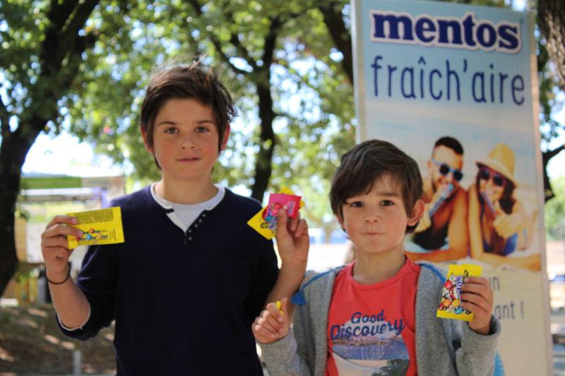 La RFE met en place une opération de Trip Marketing pour Mentos en faisant de l'échantillonnage sur les aires d'autoroutes Vinci