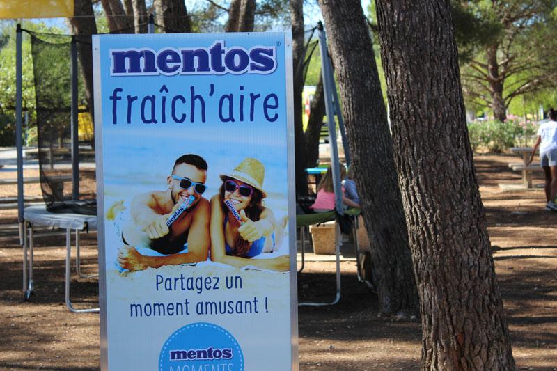 La RFE met en place une opération de Trip Marketing pour Mentos en faisant de la publicité pour la marque sur les aires d'autoroutes Vinci