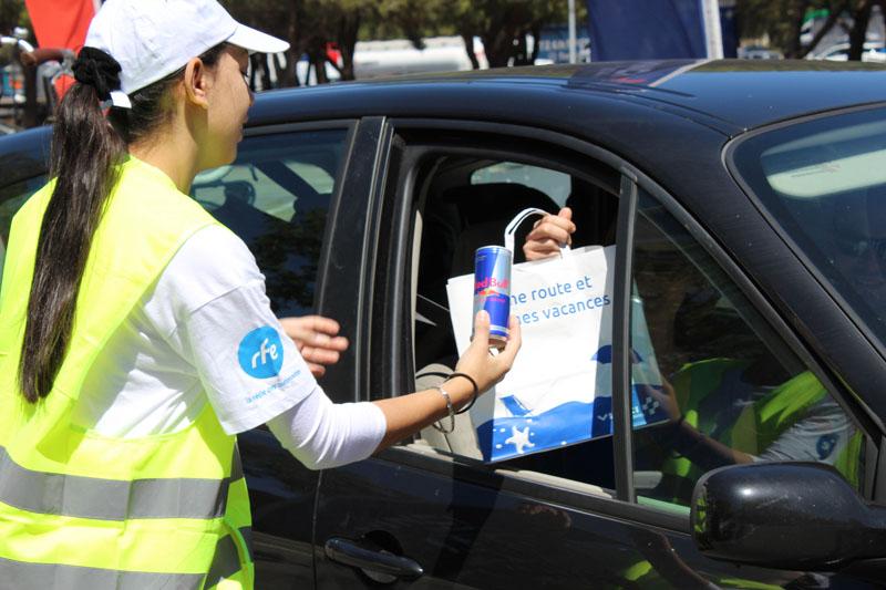 La RFE met en place une opération de Trip Marketing pour RedBull en faisant de l'échantillonnage sur les aires d'autoroutes Vinci