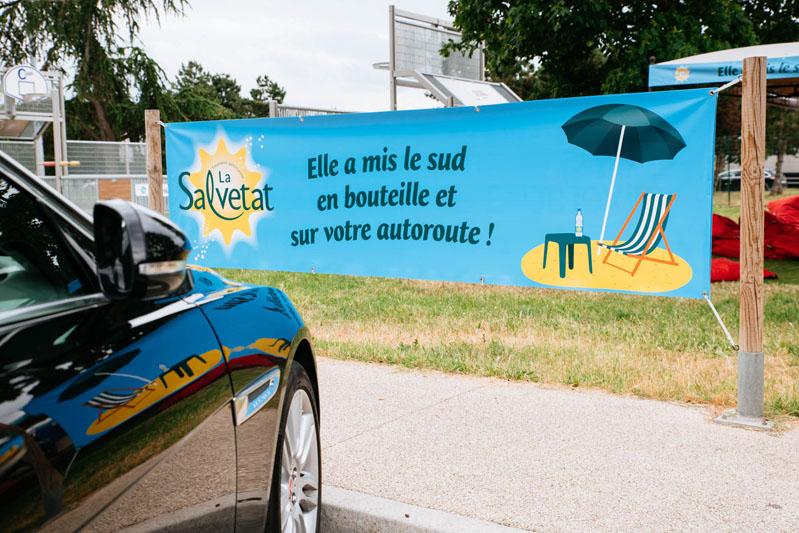 La RFE met en place une opération de Trip Marketing pour Salvetat en faisant de la publicité pour la marque sur les aires d'autoroutes Vinci